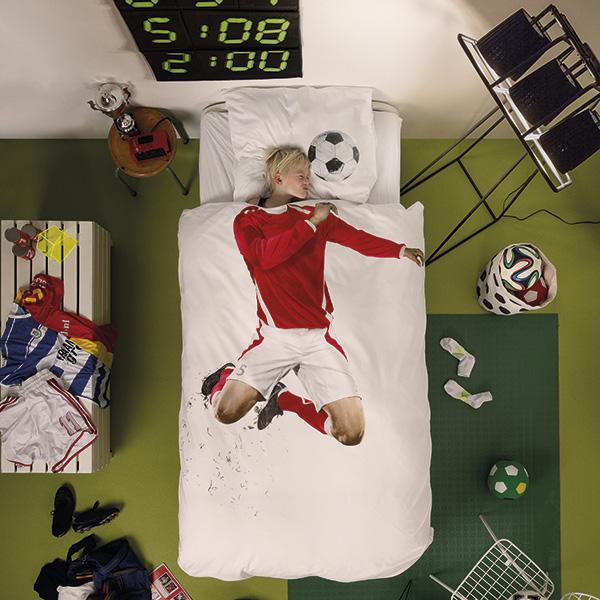 SoccerChamp_styled_01_RED_Hi_CMYK